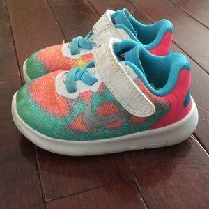 Toddler girl size 4 Nike Sneakers